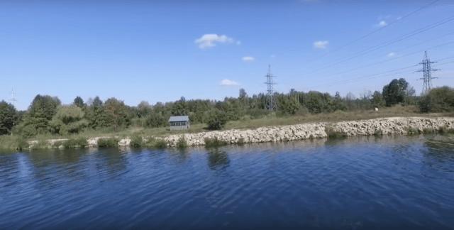 как определить, в какую сторону течет река