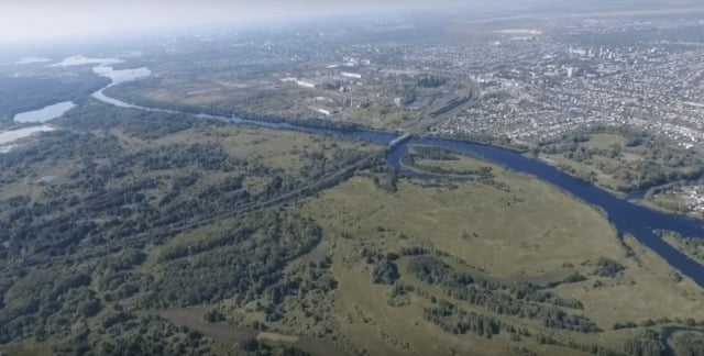реки текут подобно венам на теле планеты