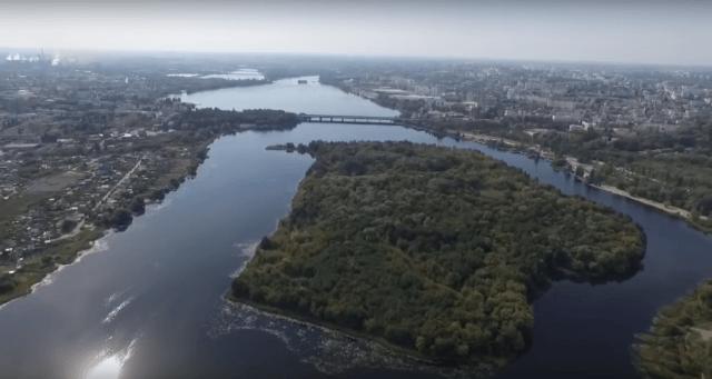 русло реки с раздвоением