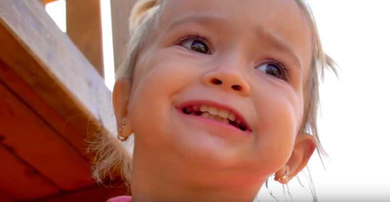 Ребенок плачет и капризничает все время: что делать?