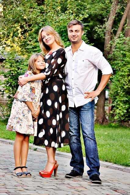 Сергей Кравец с женой и дочкой